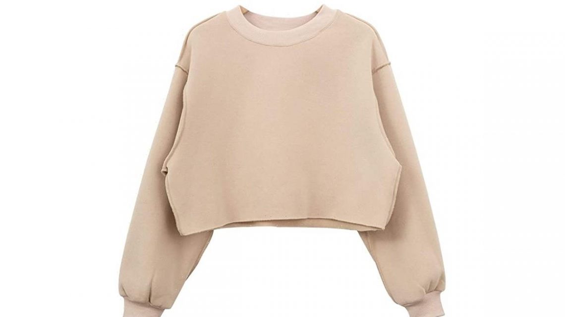 This Sweatshirt Is the Ideal Length to Wear With High-Waisted Leggings